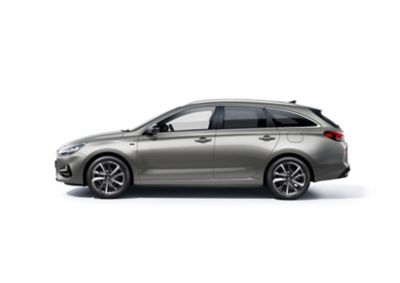 The new Hyundai i30 Wagon pictured from the driver side.