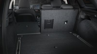 A photo showing the split-folding rear seats on the new Hyundai i30 Wagon.